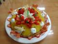 1月 おめでとう!: タルト生地の上にいちご・みかん・ヨーグルト・星形のトースト