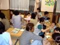 給食懇談会: ペロリと食べてしまう子どもたち(笑)