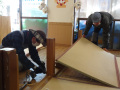 遊び棚の工事中: 畳を一度はがしてから工事に入りました。