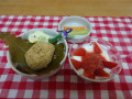 子どもの日の会  おやつ: 柏餅もどきおはぎ(きなこ、あんこ)、ヨーグルトのイチゴソース添えです。