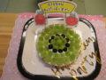 マスカットのヨーグルトケーキでお祝いです。
